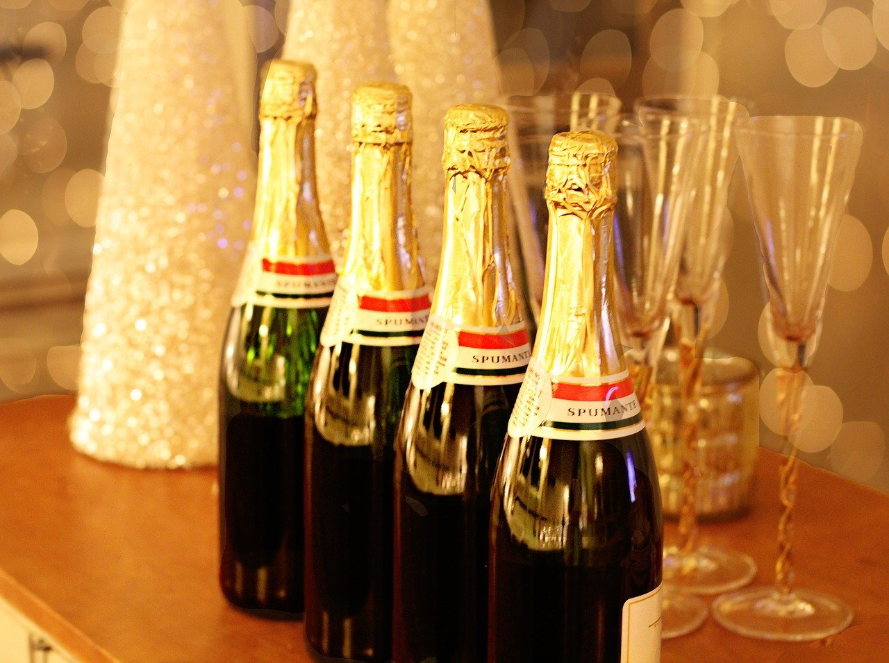 champagne-1939795_1280[1].jpg